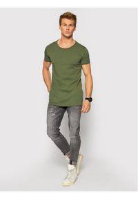 Tigha T-Shirt Wren 100879 Zielony Regular Fit. Kolor: zielony