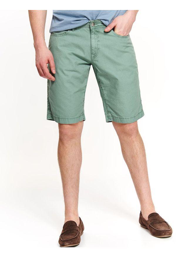TOP SECRET - Szorty męskie gładkie. Okazja: na co dzień. Kolor: zielony. Materiał: tkanina. Długość: krótkie. Wzór: gładki. Sezon: wiosna, lato. Styl: casual