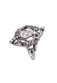 Srebrny pierścionek z aplikacjami, srebrny