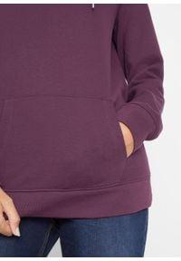 Bluza z kapturem i kieszenią kangurką bonprix czarny bez. Typ kołnierza: kaptur. Kolor: fioletowy