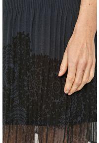 Niebieska sukienka Desigual na co dzień, bez rękawów, mini