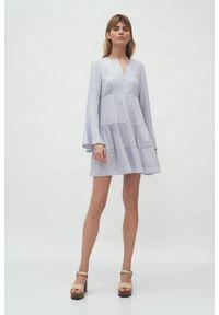 Nife - Szara sukienka wiskozowa z falbanami rozkloszowana. Kolor: szary. Materiał: wiskoza