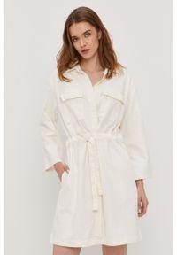 Levi's® - Levi's - Sukienka. Okazja: na spotkanie biznesowe. Kolor: biały. Materiał: tkanina. Wzór: gładki. Styl: biznesowy