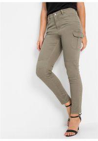 Zielone jeansy bonprix