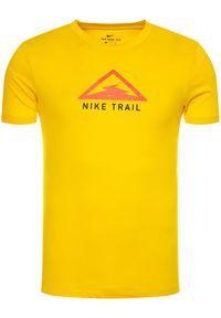 Nike Koszulka techniczna Dri-FIT Trail Running CT3857 Żółty Regular Fit. Kolor: żółty. Technologia: Dri-Fit (Nike). Sport: bieganie