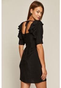 Czarna sukienka medicine mini, z dekoltem karo