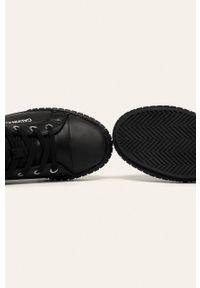 Czarne tenisówki Calvin Klein Jeans na sznurówki, na obcasie