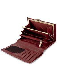 Czerwony portfel Puccini