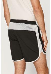 Czarne szorty adidas Performance na co dzień, sportowe, z nadrukiem