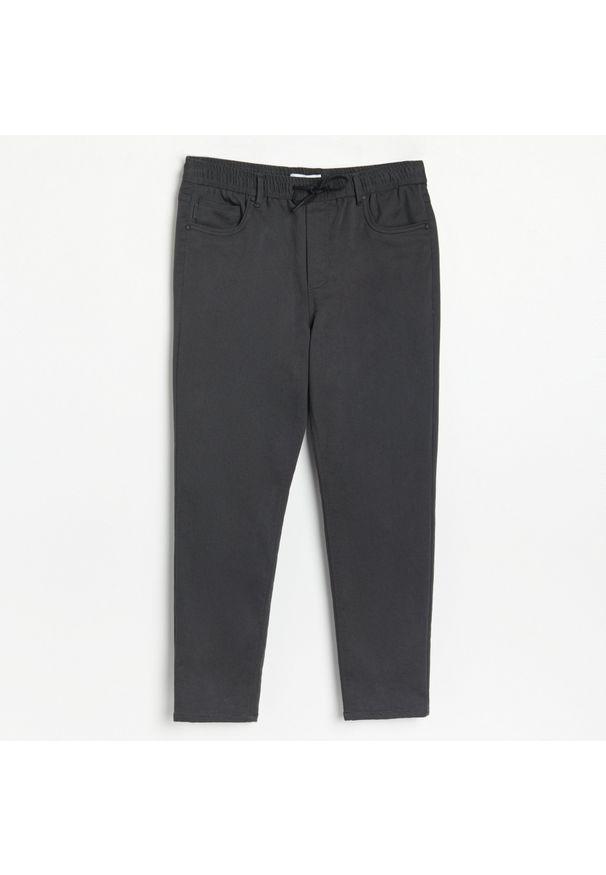 Reserved - Spodnie jogger - Szary. Kolor: szary