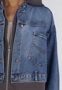 Born2be - Niebieska Kurtka Jeansowa Neseila. Kolor: niebieski. Materiał: jeans