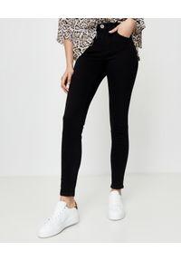 ONETEASPOON - Czarne jeansy z wysokim stanem Freebirds II. Okazja: na co dzień. Stan: podwyższony. Kolor: czarny. Wzór: aplikacja. Styl: klasyczny, casual
