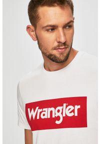 Biały t-shirt Wrangler na co dzień, casualowy, z nadrukiem