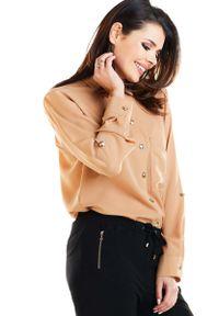 Awama - Kamelowa Klasyczna Koszula Zapinana na Złote Guziki. Kolor: złoty. Materiał: poliester. Styl: klasyczny