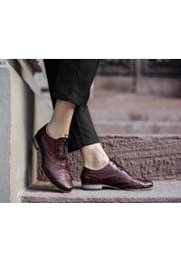 Czerwone półbuty Zapato z cholewką, eleganckie, na spotkanie biznesowe, wąskie