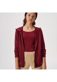 Czerwona bluza Sinsay z kapturem