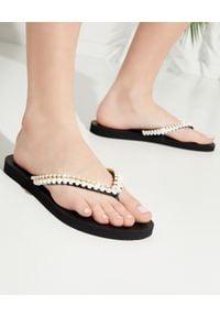 MYSTIQUE SHOES - Japonki z lśniącymi kryształami. Kolor: czarny. Materiał: guma. Wzór: paski, aplikacja