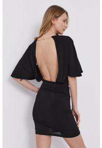 Czarna sukienka Patrizia Pepe dopasowana, z krótkim rękawem, klasyczna