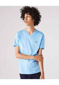 Lacoste - LACOSTE - Niebieski t-shirt z logo Regular Fit. Kolor: niebieski. Materiał: bawełna. Wzór: haft, aplikacja. Sezon: lato, wiosna