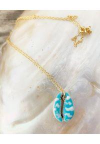 BONK IBIZA - Naszyjnik muszla Maca. Materiał: srebrne, pozłacane. Kolor: niebieski