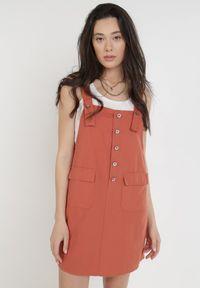 Born2be - Łososiowa Sukienka Orethosa. Typ kołnierza: dekolt kwadratowy. Kolor: różowy. Materiał: bawełna. Długość rękawa: na ramiączkach. Typ sukienki: koszulowe, trapezowe. Długość: mini