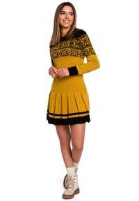 MOE - Żółta Świąteczna Sukienka Swetrowa z Obniżoną Talią. Kolor: żółty. Materiał: akryl. Styl: wizytowy