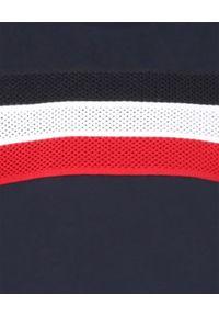 MONCLER KIDS - Granatowy t-shirt z trójkolorowym paskiem 6-14 lat. Kolor: niebieski. Materiał: bawełna, puch. Wzór: aplikacja. Sezon: lato. Styl: klasyczny