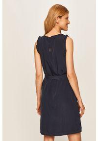 Niebieska sukienka Vila biznesowa, na spotkanie biznesowe, bez rękawów, prosta