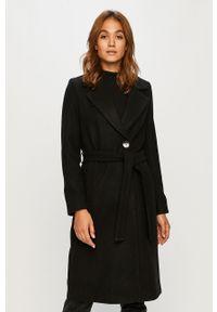 Czarny płaszcz only z klasycznym kołnierzykiem, casualowy, na co dzień