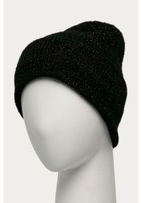 Czarna czapka only