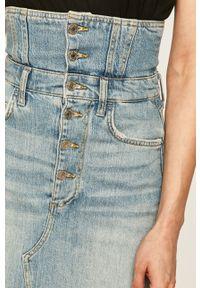 Guess Jeans - Spódnica jeansowa. Okazja: na co dzień. Kolor: niebieski. Materiał: jeans. Styl: casual