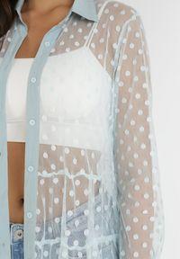Born2be - Jasnoniebieska Sukienka Muir. Typ kołnierza: kołnierzyk klasyczny. Kolor: niebieski. Materiał: tkanina. Długość rękawa: długi rękaw. Długość: długie. Wzór: kropki. Styl: klasyczny
