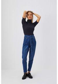 MOODO - Jeansy extra high waist. Stan: podwyższony. Długość: długie. Wzór: gładki