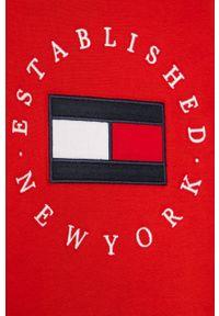 Czerwona koszulka z długim rękawem TOMMY HILFIGER z aplikacjami, na co dzień