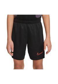 Spodenki piłkarskie Nike Dri-FIT Academy JR CW6109. Materiał: włókno, skóra, materiał, poliester. Technologia: Dri-Fit (Nike). Styl: klasyczny. Sport: piłka nożna