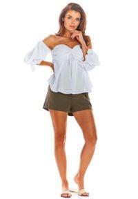 Awama - Biała Bluzka Carmen z Długim Rękawem. Typ kołnierza: typu carmen. Kolor: biały. Materiał: elastan, poliester. Długość rękawa: długi rękaw. Długość: długie