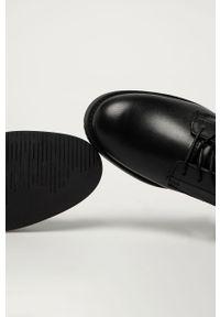 Czarne botki Tommy Jeans na sznurówki, z okrągłym noskiem, bez obcasa, z cholewką