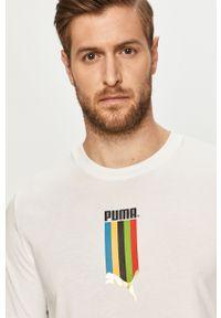 Biały t-shirt Puma z okrągłym kołnierzem, z nadrukiem