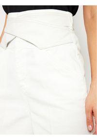 Białe jeansy slim Pinko