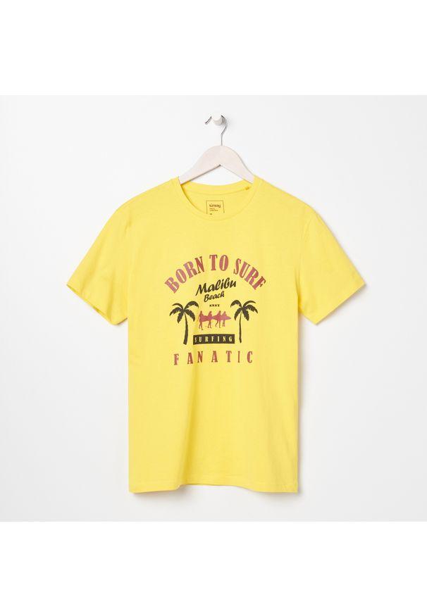Sinsay - Koszulka z nadrukiem - Żółty. Kolor: żółty. Wzór: nadruk
