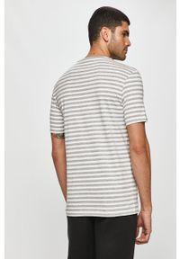 Biały t-shirt Only & Sons na co dzień, casualowy