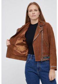 Pepe Jeans - Ramoneska zamszowa Jolene. Okazja: na co dzień. Kolor: brązowy. Materiał: zamsz. Styl: casual
