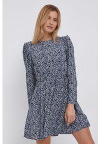 Pepe Jeans - Sukienka Cleo. Kolor: niebieski. Materiał: tkanina. Długość rękawa: długi rękaw. Typ sukienki: rozkloszowane