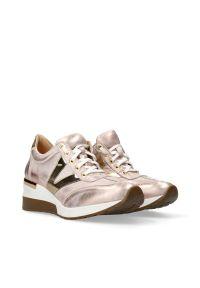 Różowe buty sportowe Arturo Vicci na co dzień