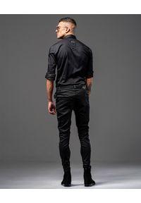 GUNS & TUXEDOS - Czarna koszula z suwakami Dandy Rocker 2. Okazja: na co dzień. Typ kołnierza: kołnierzyk klasyczny. Kolor: czarny. Materiał: jeans, tkanina. Styl: rockowy, klasyczny, casual