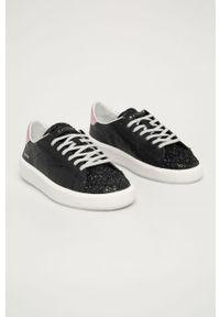 Czarne buty sportowe D.A.T.E. z cholewką, na średnim obcasie, na obcasie