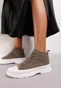 Renee - Oliwkowe Trampki Kodro. Wysokość cholewki: przed kolano. Nosek buta: okrągły. Kolor: zielony. Materiał: jeans, materiał, guma. Szerokość cholewki: normalna. Wzór: jednolity. Obcas: na obcasie. Wysokość obcasa: średni #5