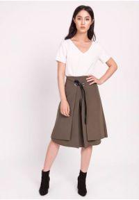 Lanti - Khaki Trapezowa Spódnica z Tasiemką z Eko-Skóry. Kolor: brązowy. Materiał: skóra