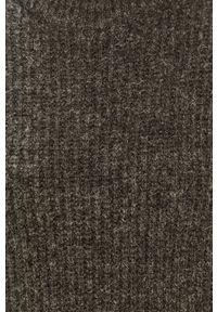 Szary sweter Jacqueline de Yong z aplikacjami
