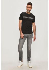 Czarny t-shirt Armani Exchange na co dzień, casualowy, z nadrukiem